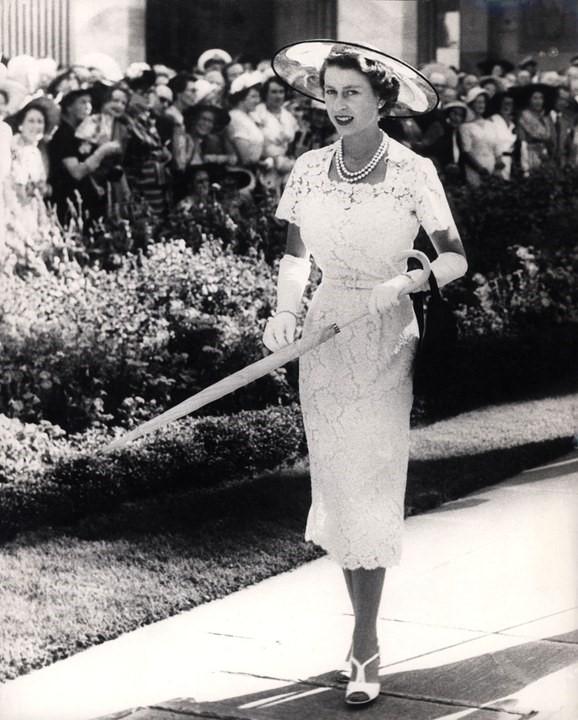 queen elizabeth 1959